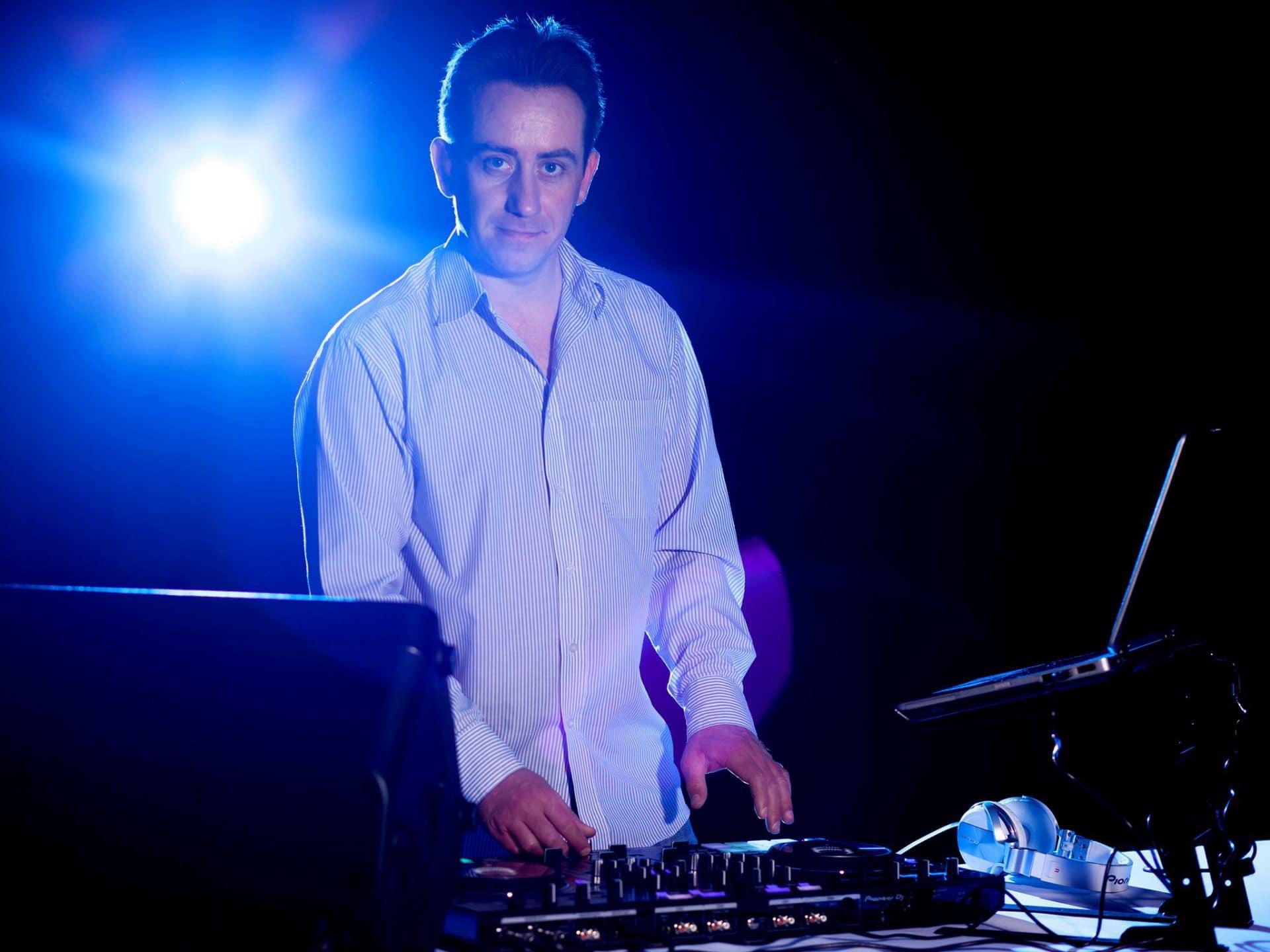Csikós Balázs vagyok, a Te Esküvői DJ-d!