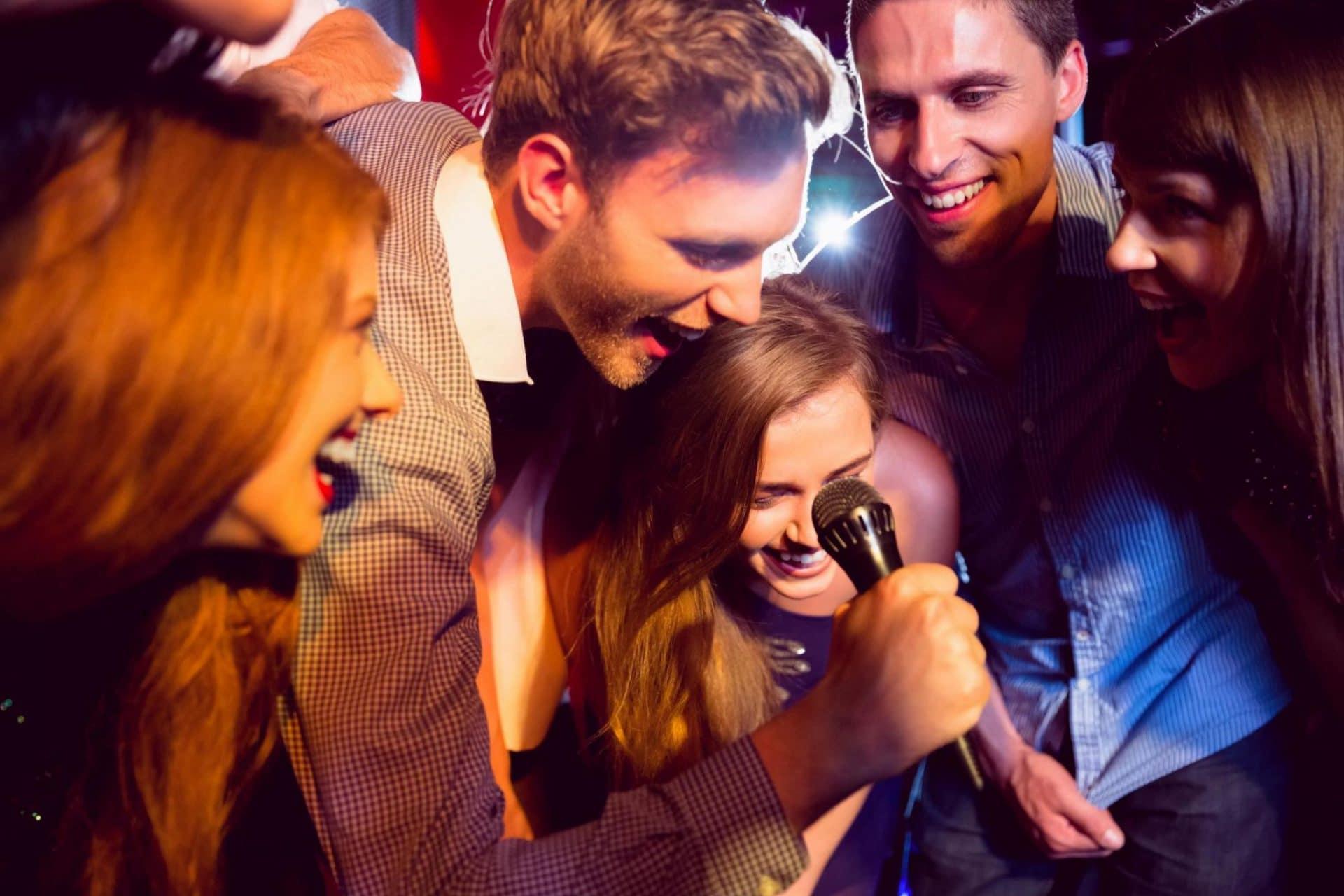 Esküvõi karaoke